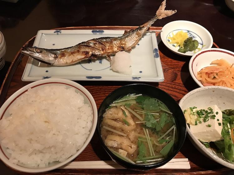 くらわんかの秋刀魚の塩焼き