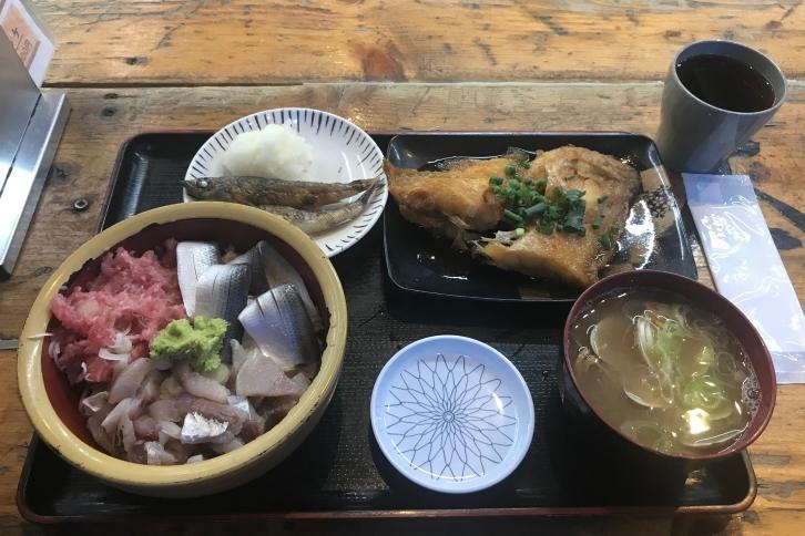 タカマル鮮魚店日替わり定食